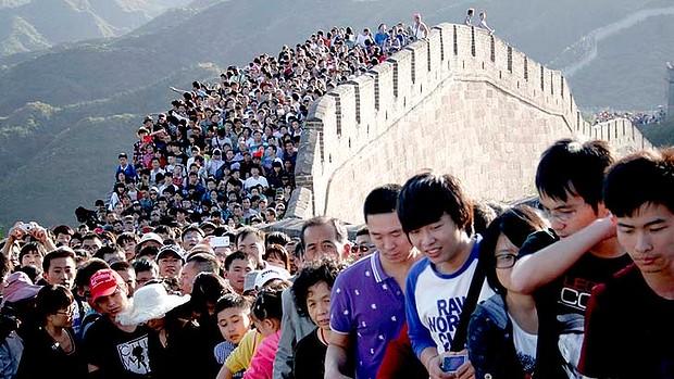 art-China-Tourists-20-13-620x349